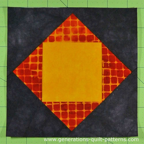 The finished Economy quilt block