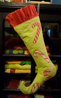 Free Christmas Stocking pattern<br />by Linda Lum DeBono