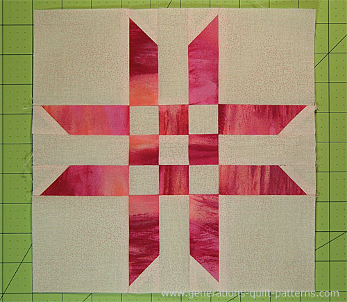 The finished Ribbon Star quilt block.