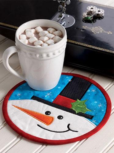 Smiling Snowman Mug Rug pattern