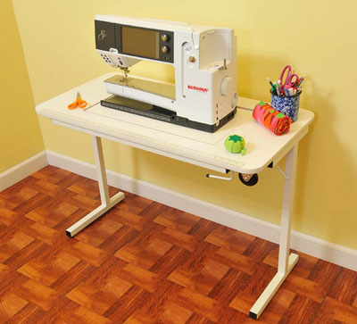 Arrow's Gidget II Sewing Table