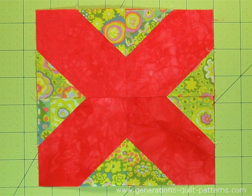 The finished Cotton Boll quilt block