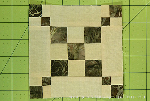 A Single Chain and Knot quilt block—finished!